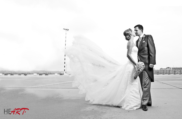 wedding_airport2.jpg